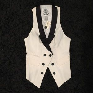 BB Dakota Black/Ivory Vest